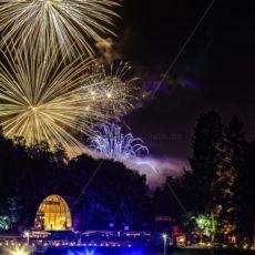 Feuerwerk im Deutsch-Französischen Garten, Saarbrücken - Bildtankstelle.de