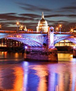 Reflektionen in der Themse, London, UK, England - Bildtankstelle.de