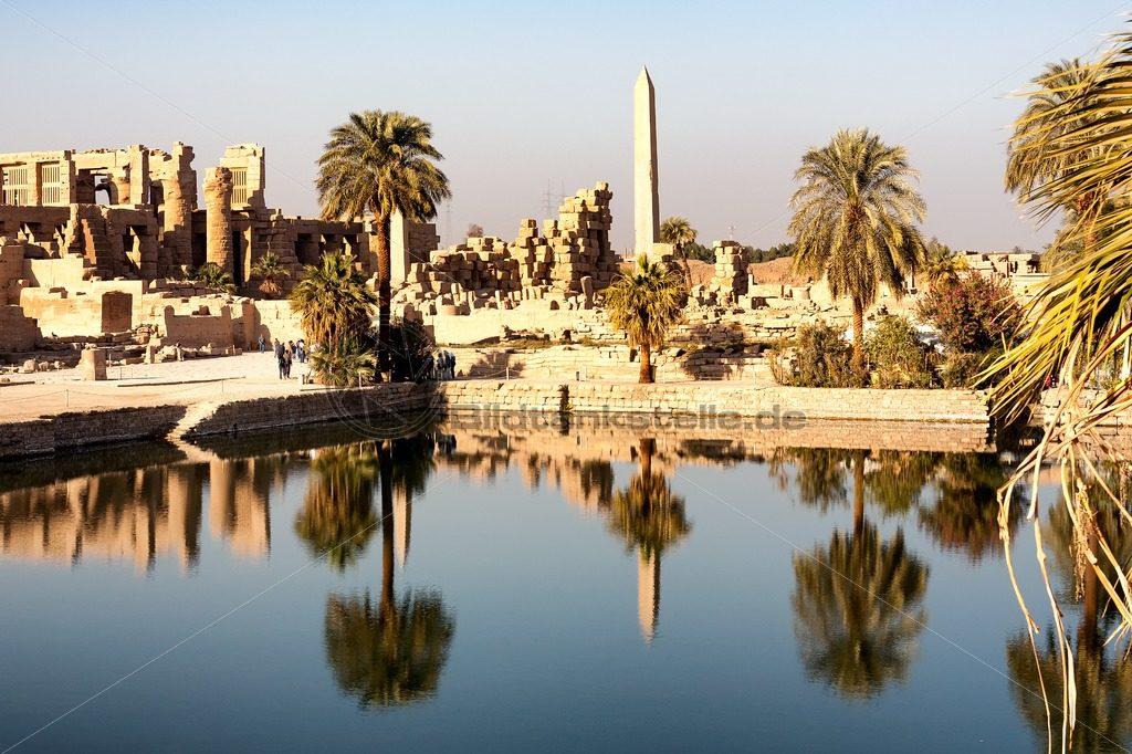 heiliger Tempelsee von Karnak - Bildtankstelle.de
