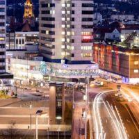 Saarbrücken bei Nacht, Blick auf die Innenstadt, Saarland - Bildtankstelle.de