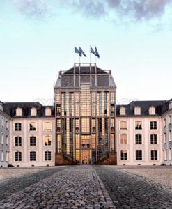 Saarbrücker Schloss im Abendrot - Bildtankstelle.de