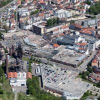 Neunkirchen aus der Luft, das alte Hüttenareal in attraktiver Nachbarschaft zur Stadt und dem Saarpark-Center, Neunkichen, Saarland - Bildtankstelle.de - Bilddatenbank für Foto-Motive aus SAAR-LOR-LUX