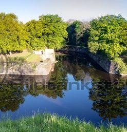 Panorama von der Vauban-Insel in Saarlouis, alte Saar im Vordergrund, Saarland - Bildtankstelle.de