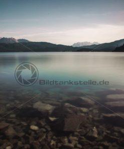 Klarer Alpensee (Walchensee) - Bildtankstelle.de