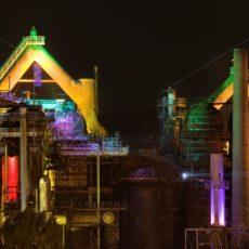 Nachtaufnahme des Weltkulturerbe Völklinger Hütte, Saarland - Bildtankstelle.de