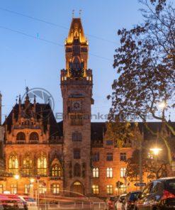 Rathaus von Saarbrücken am Abend, Saarland - Bildtankstelle.de