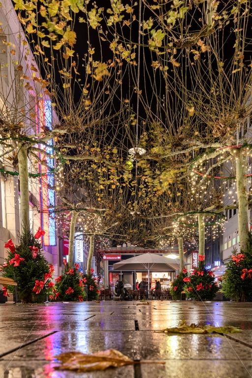 an Weihnachten in der Bahnhofstraße von Saarbrücken, City, Saarland - Bildtankstelle.de