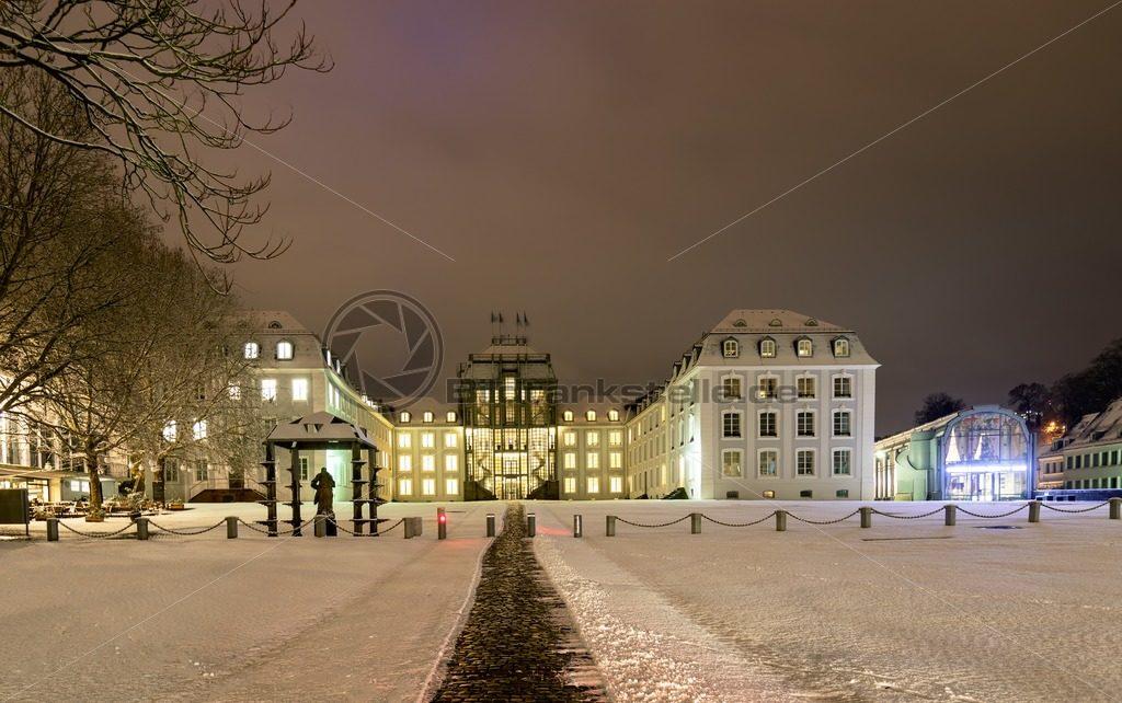 Schnee am Saarbrücker Schloss, Saarland - Bildtankstelle.de